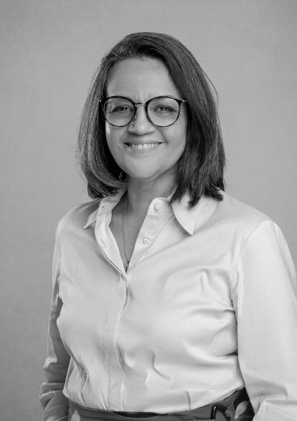 Symone Christine de Santana Araújo